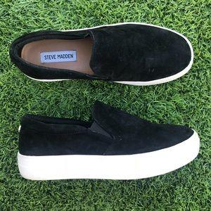 🎩 Steve Madden Gills Slip On Sneakers 🎩